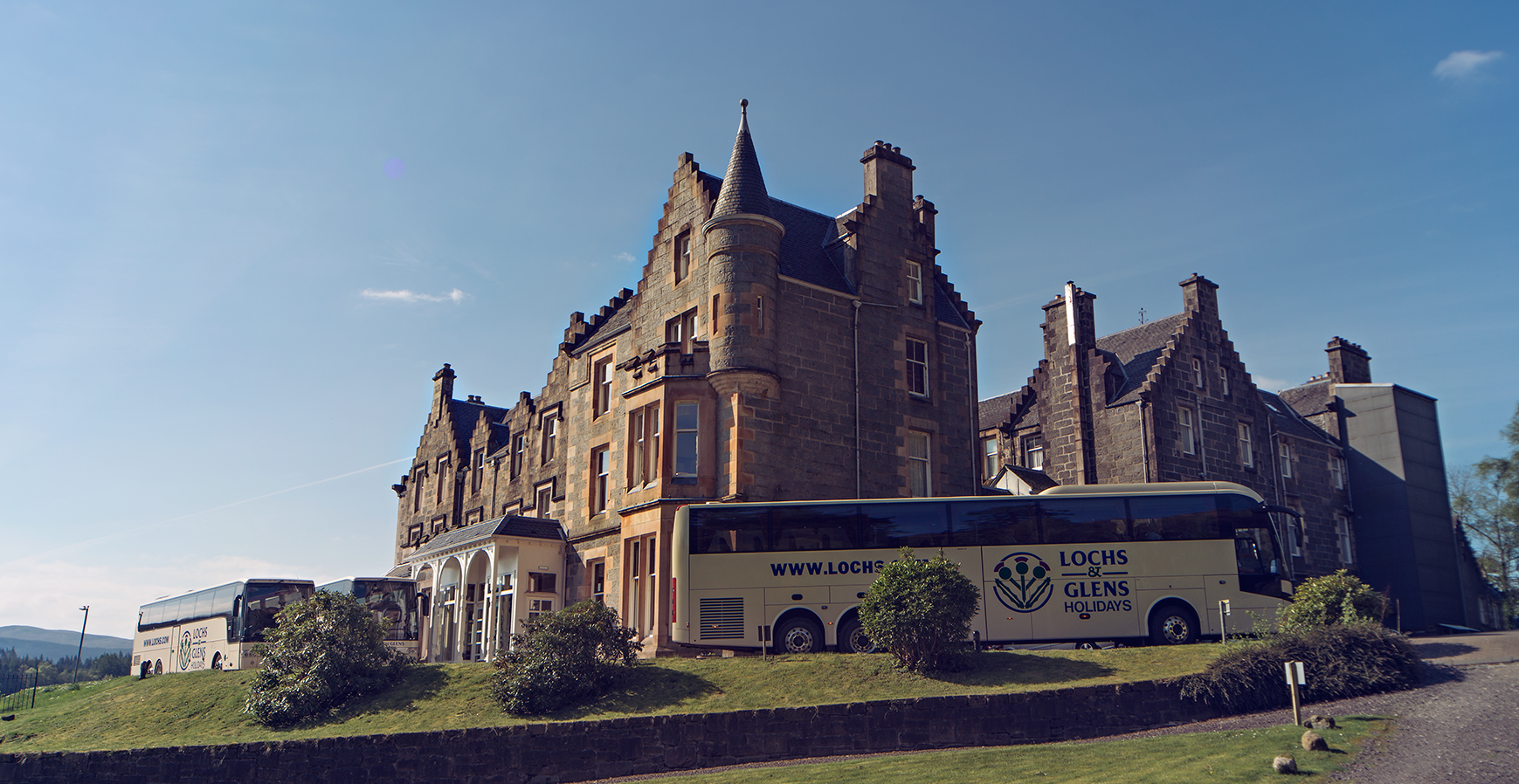 Coaches At Loch Awe Hotel